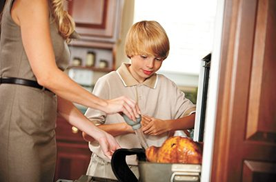 Pay attention and use common sense in kitchen