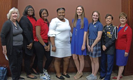 DAR presents Good Citizen awards seven high school seniors
