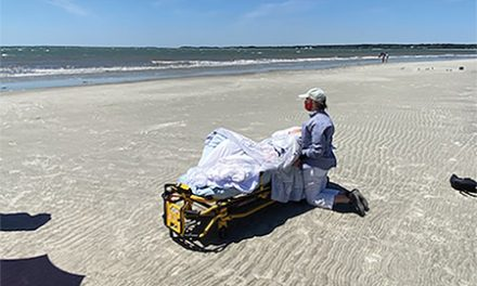 Daughter's final wish for dad takes them both to the beach